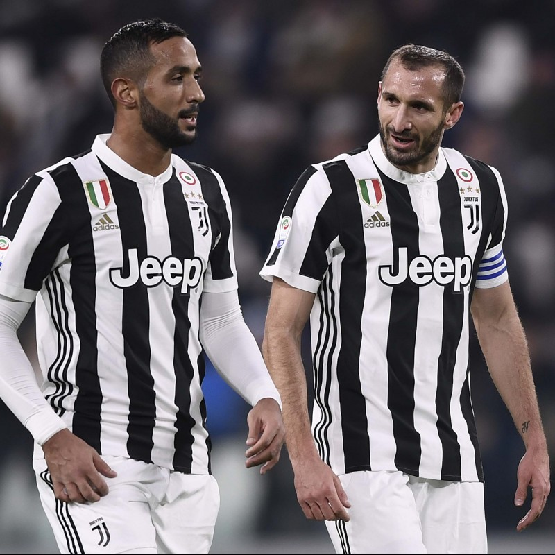 Chiellini's Juventus Match-Issue/Worn 2017/18 Signed Shirt