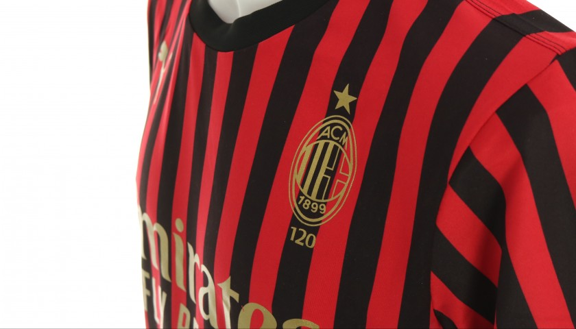 Laura Fusetti will Give You the Shirt She Wore for the Milan Derby