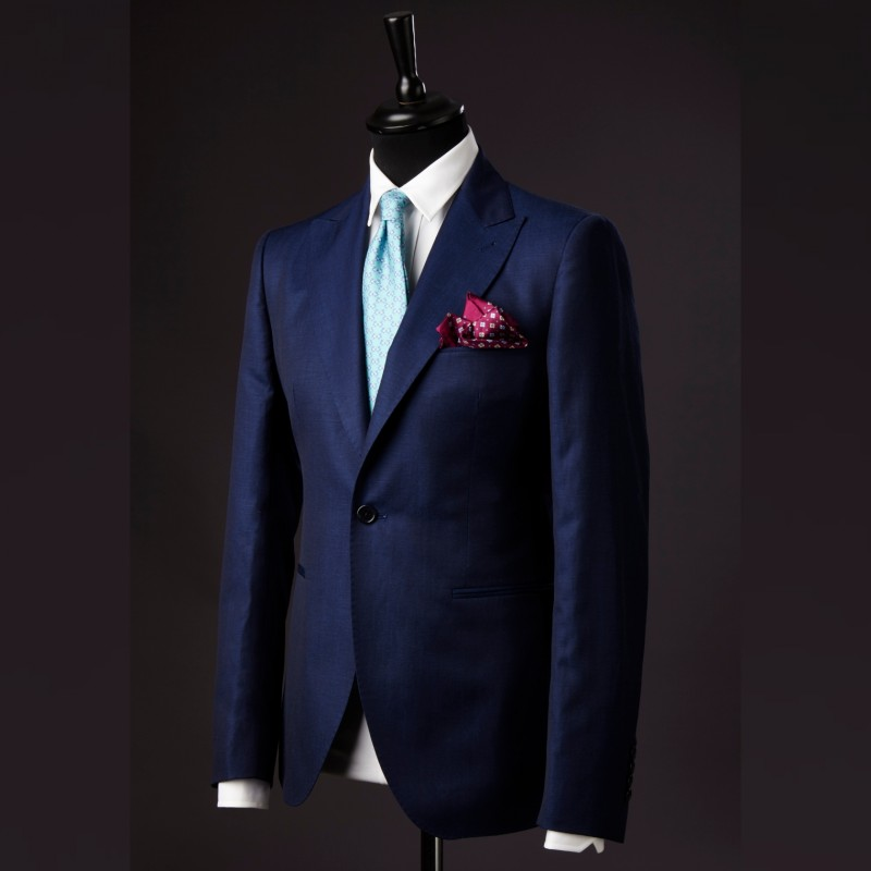 Tailormade Suit + 2 Shirts