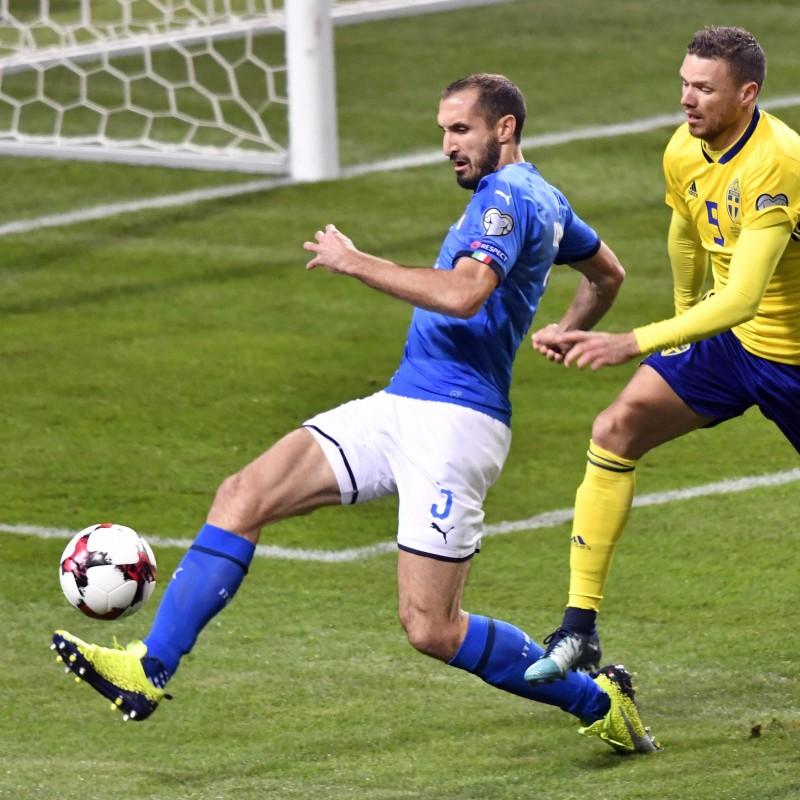 Chiellini's Signed Match-Worn Cleats, 2017/18 Season
