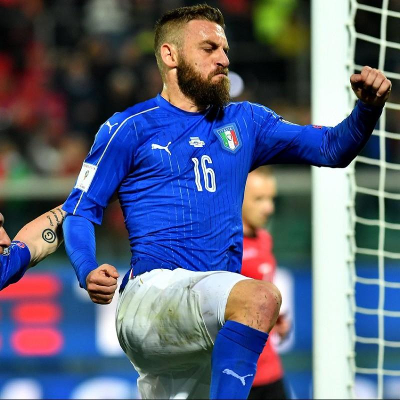 De Rossi's Issued/Worn Shirt, Italy-Liechtenstein 2017