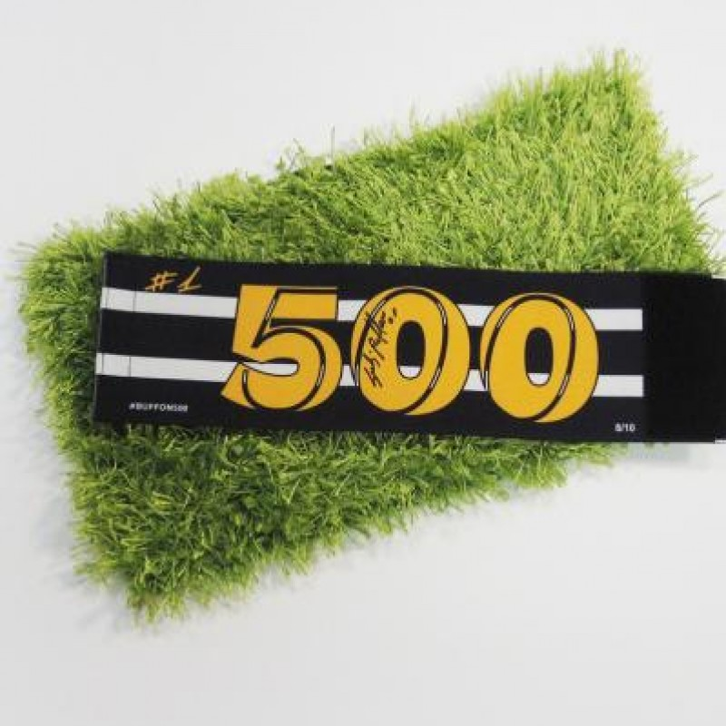 Captain armband signed and issued, Genoa-Juventus, for Gigi Buffon, 500 matches - 8/10
