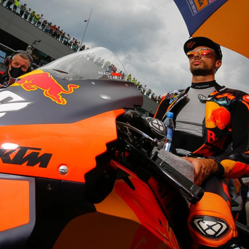 """""""Meet and greet"""" with MotoGP™ rider Miguel Oliveira"""