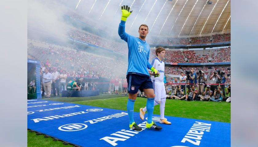 Official Bayern Munich Shirt, 2015/16 - Signed by Neuer