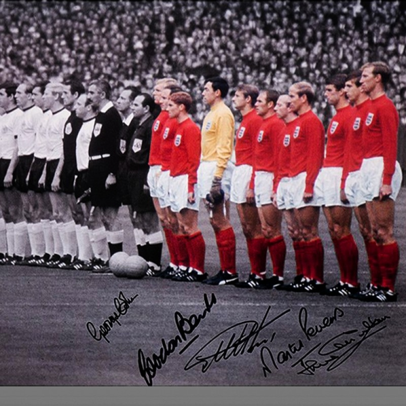 England Signed Photo 1966 by 5