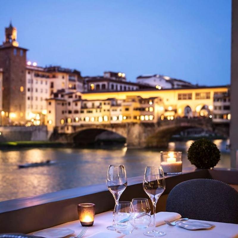 Soggiorno di 2 notti per 2 persone presso Hotel Lungarno Firenze