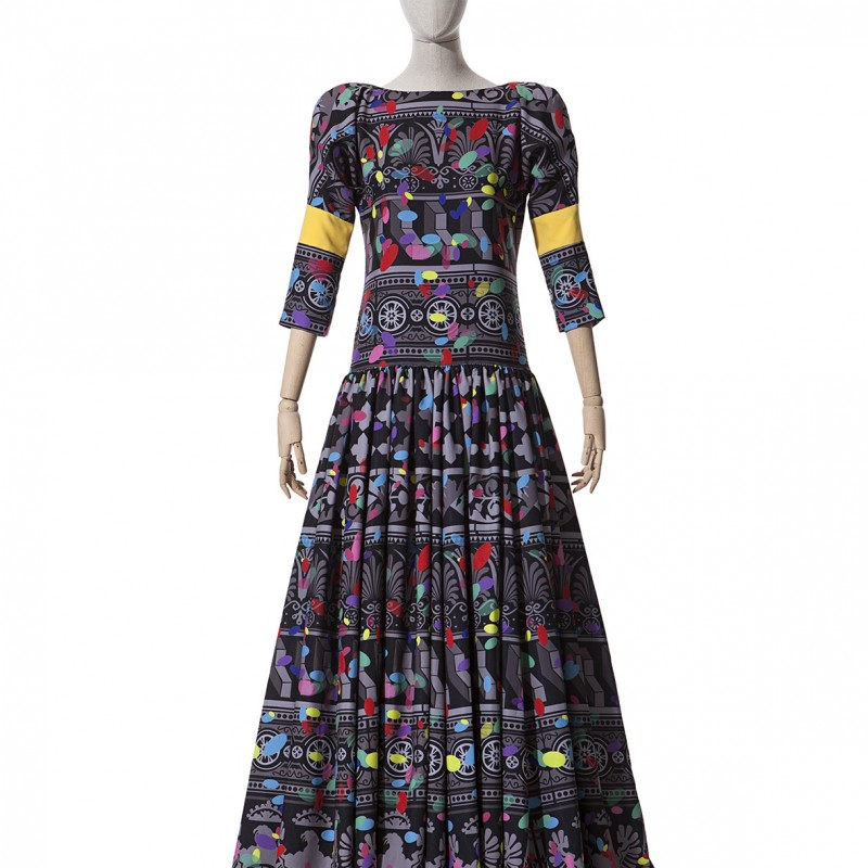 Traditional Dress by Beatriz Peñalver