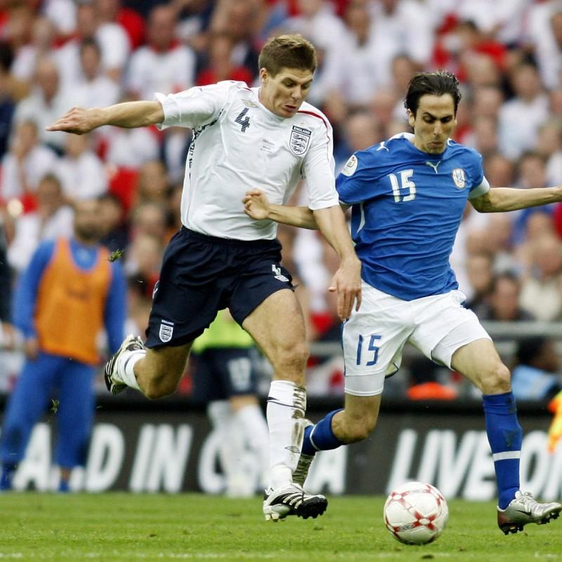 Gerrard's Official England Signed Shirt, 2007/08