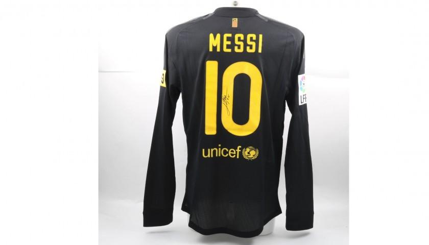 size 40 08f6b 9e429 Messi's Signed Match-Issued/Worn 2012 Barcelona Shirt - CharityStars