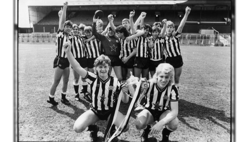 Gascoigne's Newcastle Signed Retro Shirt, 1985/86