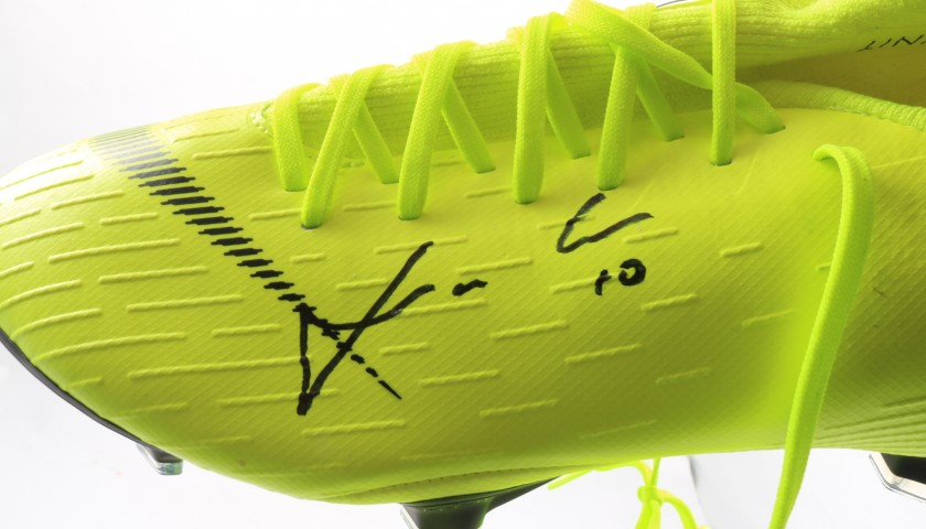 Modric's Nike Mercurial Signed Boots
