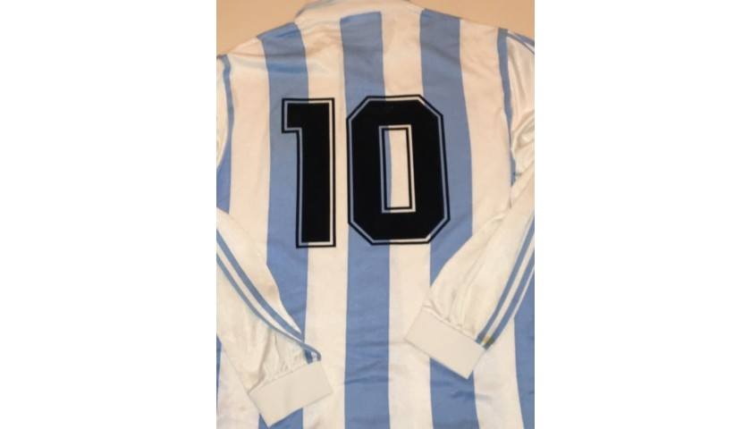 Maradona and players Signed Match Worn Argentina Shirt 1994