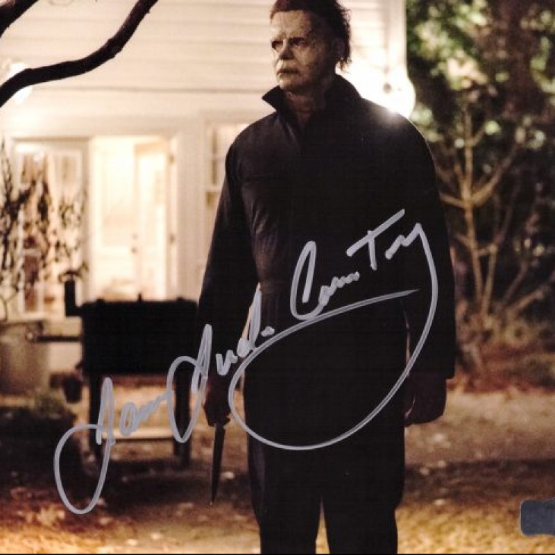 James Jude Courtney Signed Halloween Photo - White House With Knife