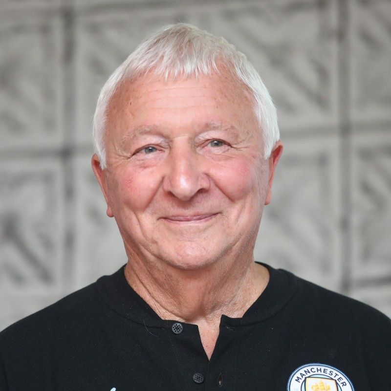 30-Min Virtual Meet & Greet with Mike Summerbee