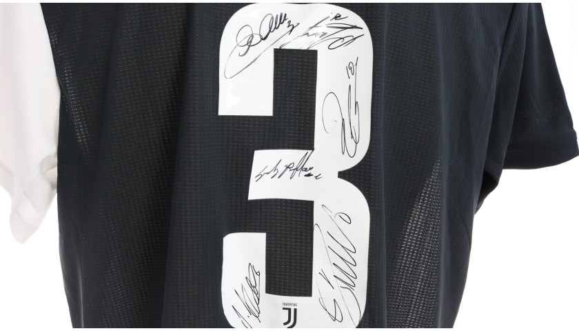 Chiellini's Juventus Match Shirt, Coppa Italia 2019/20 - Signed by the Players
