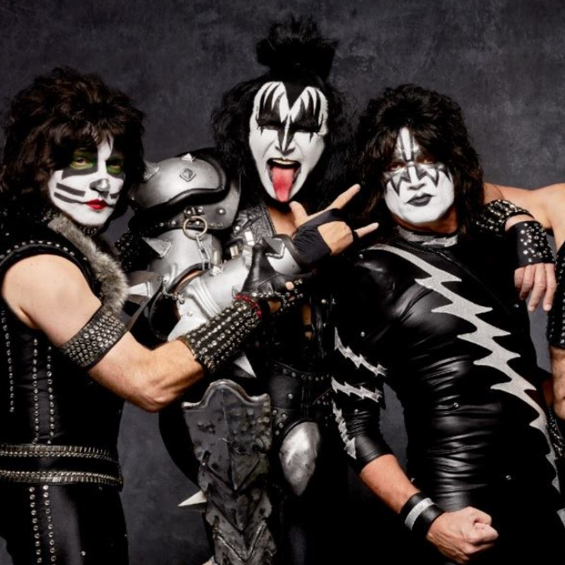 The Ultimate Kiss Experience in London