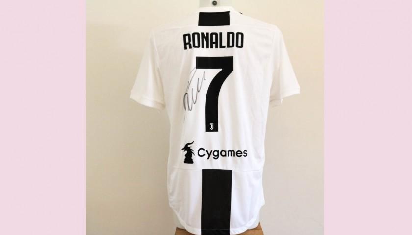 7b4bca5ec Maglia Authentic Ronaldo Juventus, 2018/19 - Autografata - CharityStars