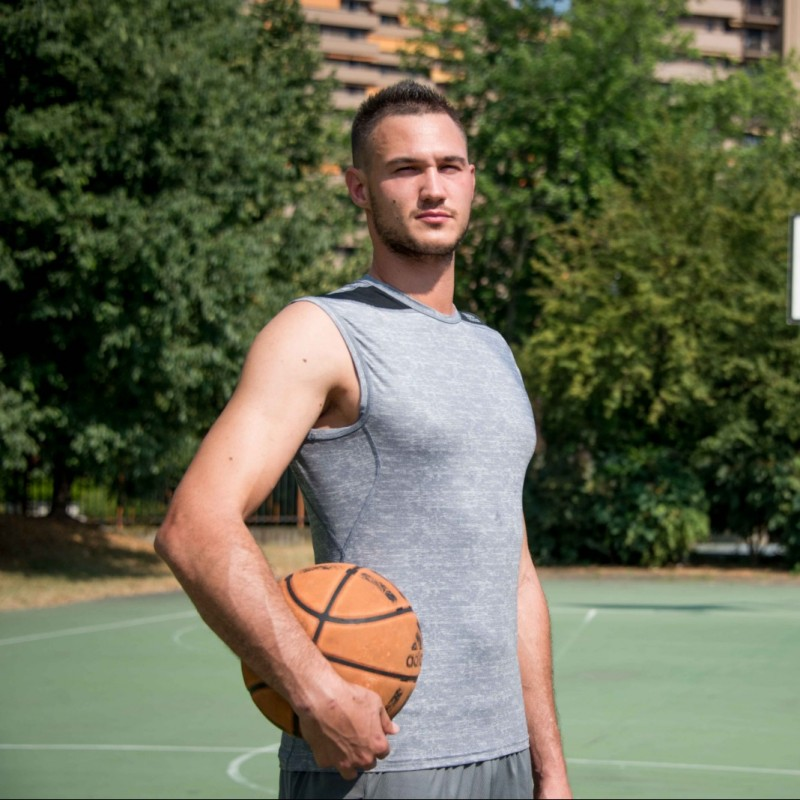 Gallinari's Official Clippers Signed Vest, 2018/19