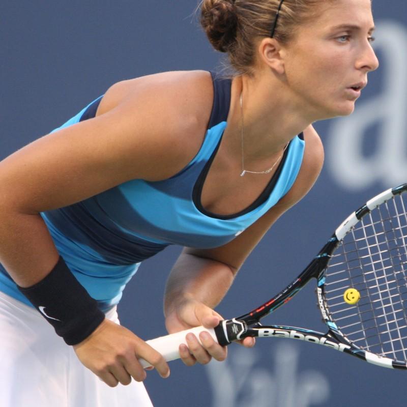 Racket used by Sara Errani - signed