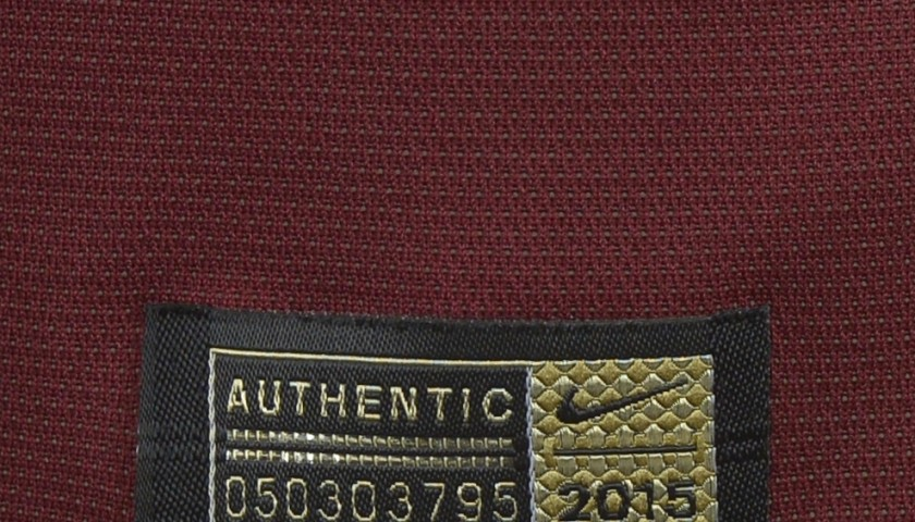 Authenticated Dzeko shirt worn during Roma 2-1 Juventus