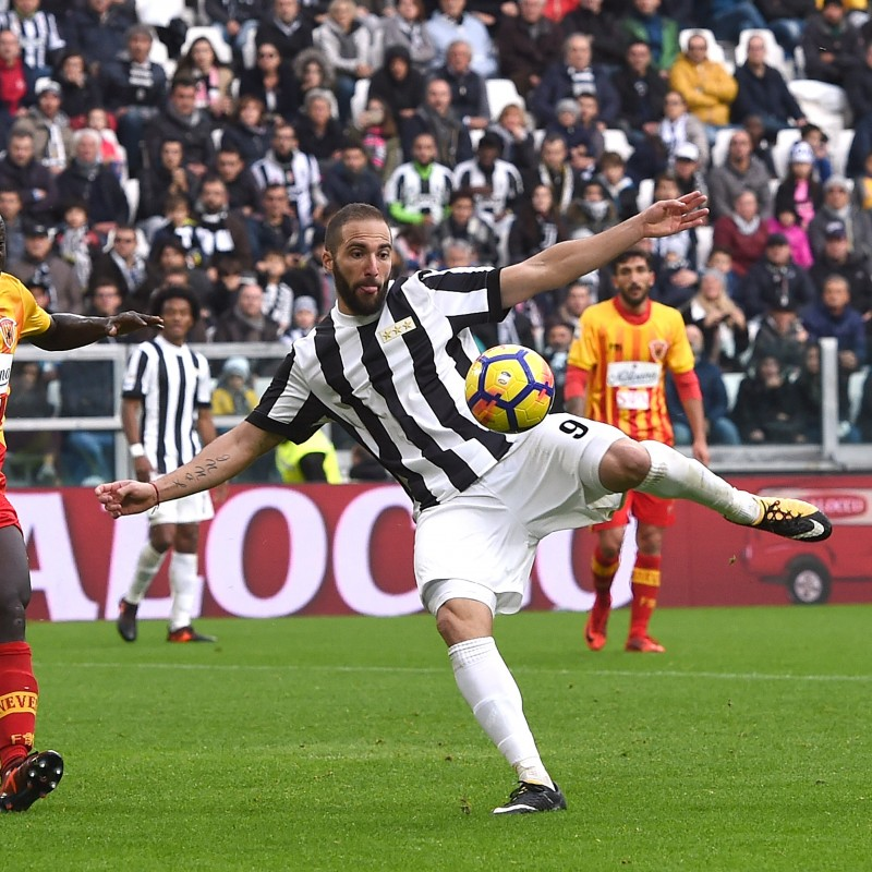 Tickets to the Juventus-Crotone Match