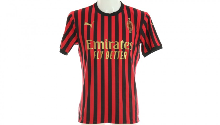 Refiloe Jane will Give You the Shirt She Wore for the Milan Derby