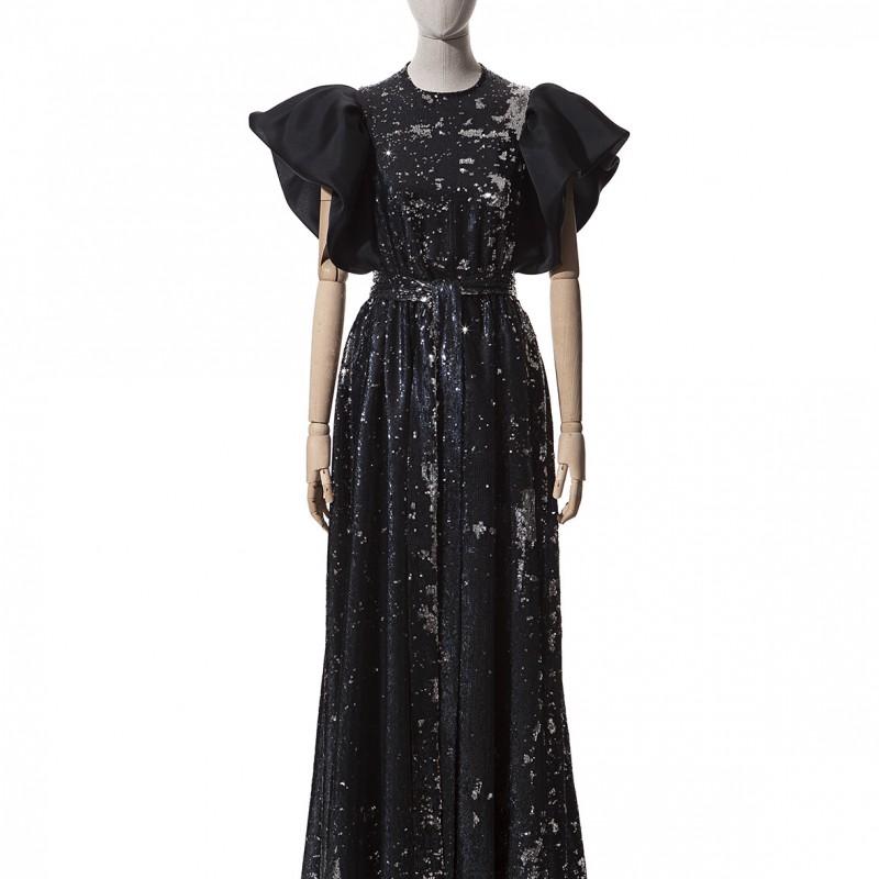 Traditional Dress by Devota & Lomba