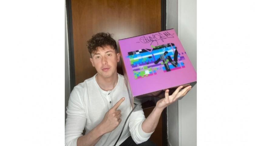 Shade Signed MTV Box