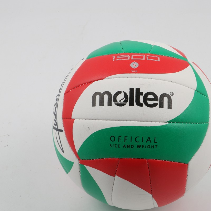 Volley ball signed by Julio Velasco