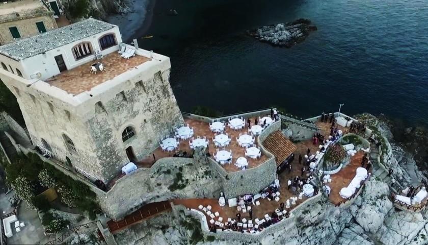 Amalfi sotto le stelle una crociera privata a bordo di for Il canotto a bordo degli yacht