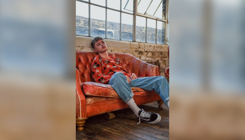 Win a Personalised Christmas Message from HRVY