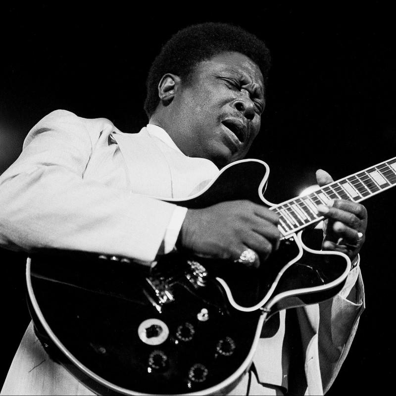 B.B. King Gibson Anniversary Guitar with Digital Signature