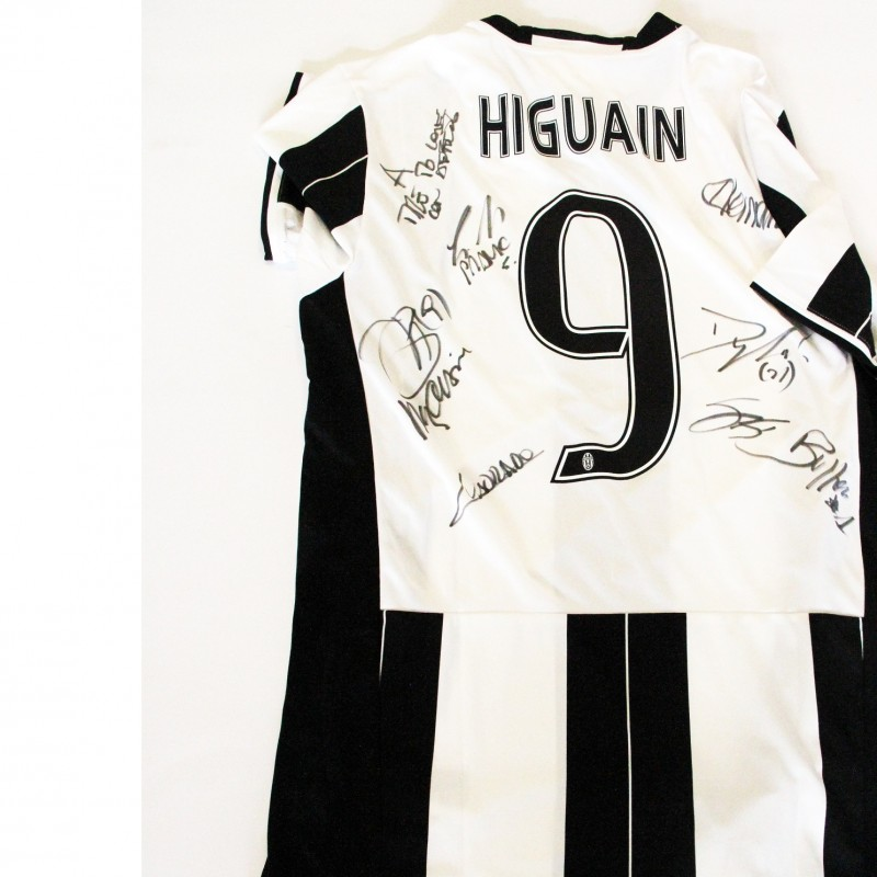 Official Higuain Juventus shirt - signed with dedication to Time to Love