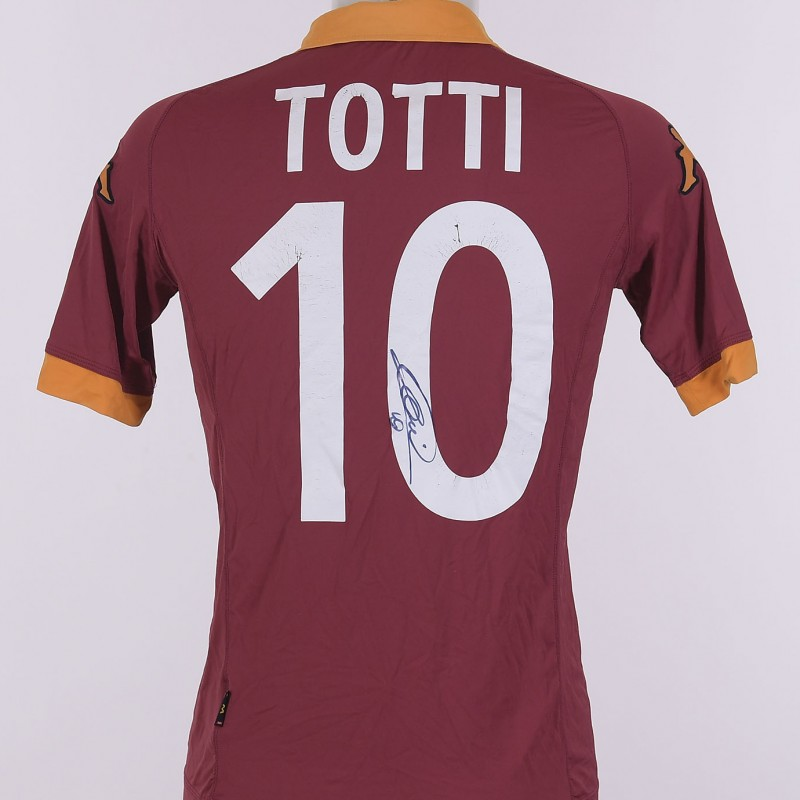 f078bb9cf Francesco Totti s Signed Shirt