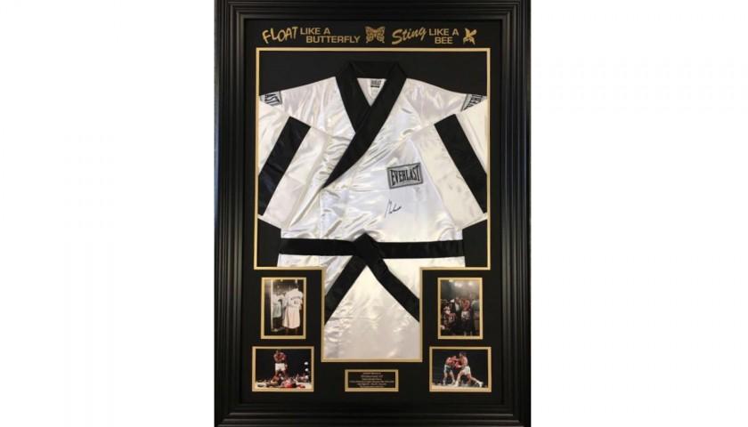 Everlast Boxing Robe Signed by Muhammad Ali - CharityStars 7bec09873
