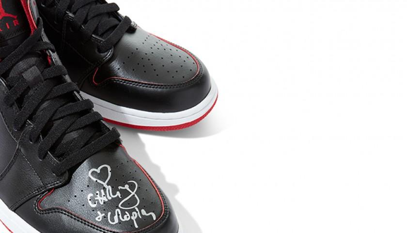 Sneakers Nike Air Jordan 30 Autografate da Chris Martin dei Coldplay,  Provenienti dalla Sua Collezione Personale