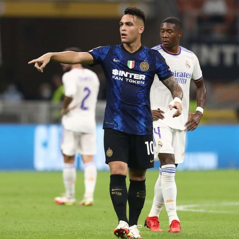 Lautaro's Official Inter Signed Shirt, 2021/22