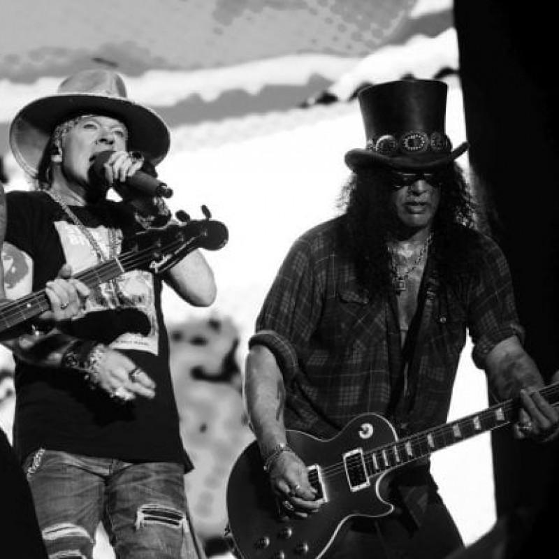 Slash Epiphone Guitar with Guns N Roses Digital Signatures