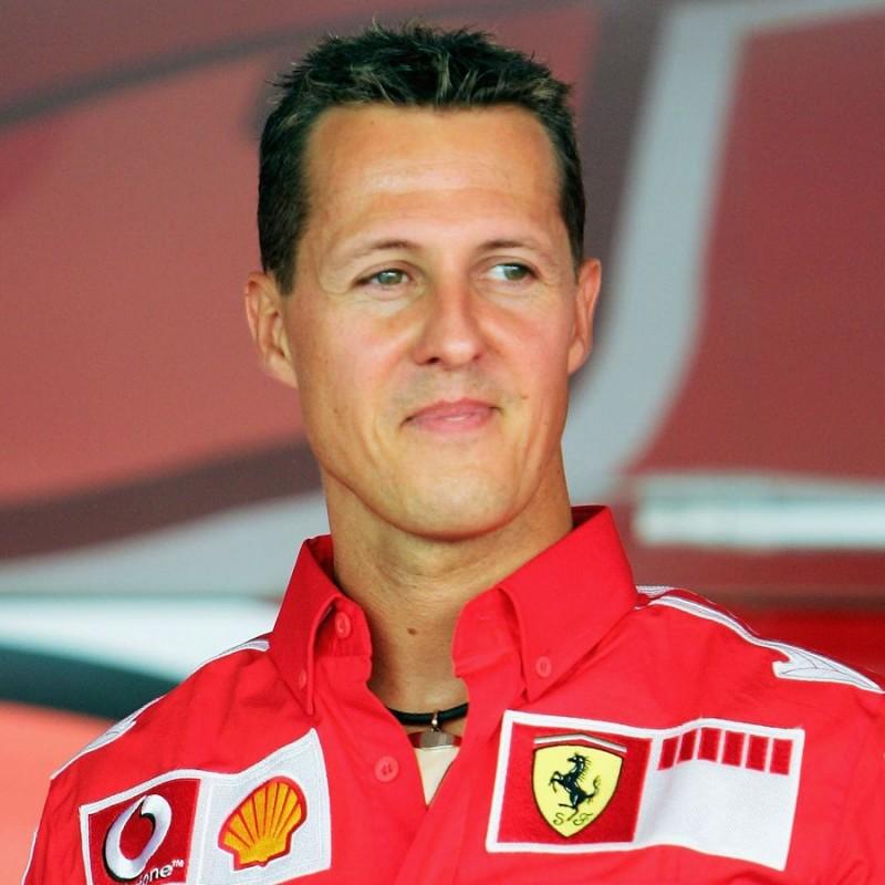 T-Shirt Scuderia Ferrari - Autografata da Michael Schumacher