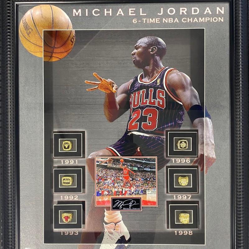 Scatola dei 6 anelli NBA Champions di Michael Jordan