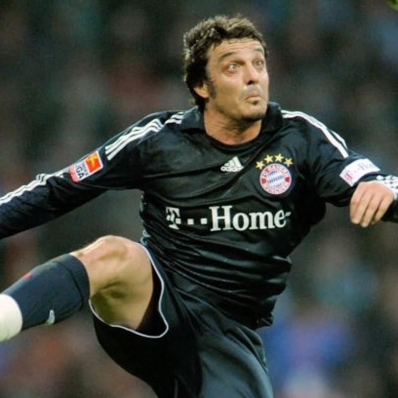 Oddo's Official Bayern Munich Signed Shirt, 2008/09