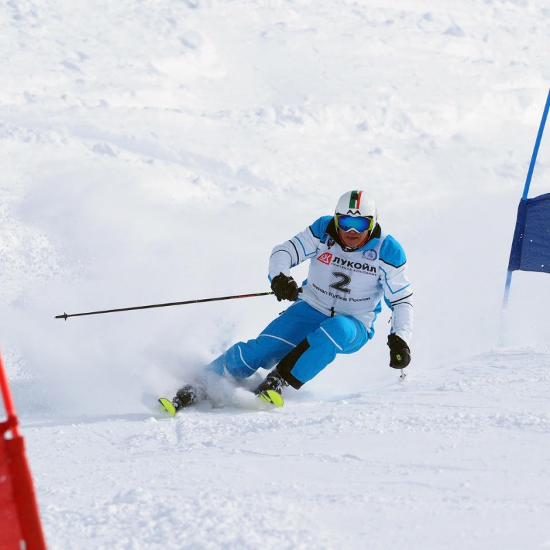 Lot 44 - Skiing with 5 times World Champion winner Marc Girardelli