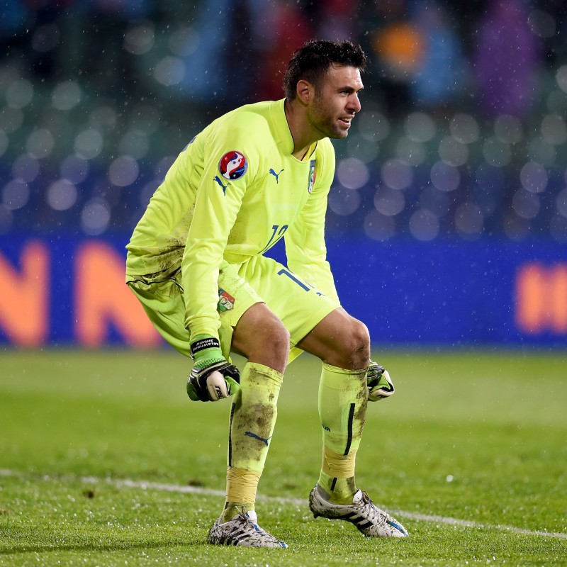 Sirigu's Italy Signed Match Shirt, 2015 Friendly
