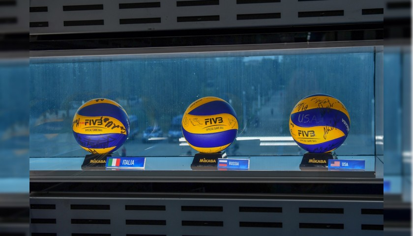 Official FIVB Volleyball Signed by the Italian National Volleyball Team