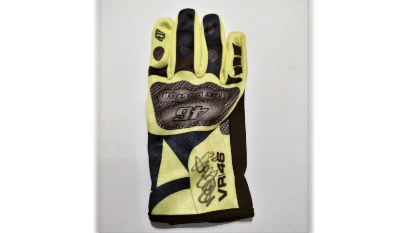 Fan Club VR46 Glove Signed by Valentino Rossi