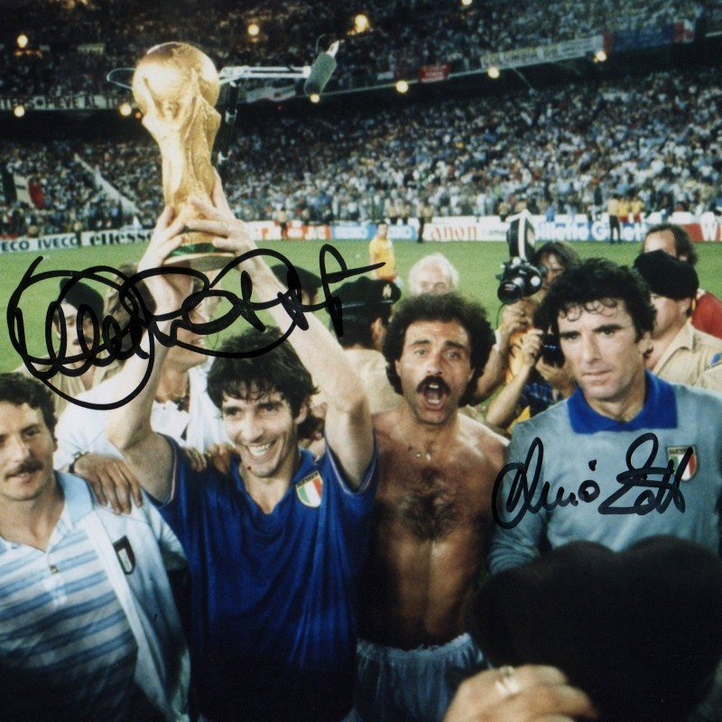 Italy 1982 Photograph Signed by Paolo Rossi and Dino Zoff