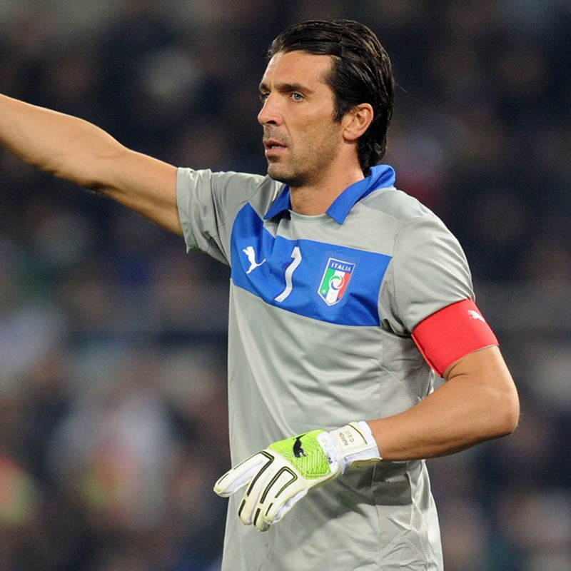 Buffon's Italy Match-Issue/Worn Shirt, World Cup Qualifiers 2014