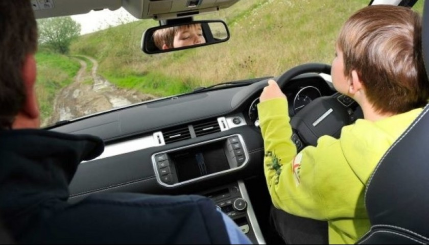 Junior Mercedes / Range Rover Driving Experience