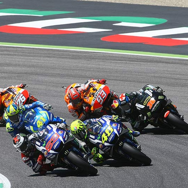 2 Paddock Passes for the Valencia MotoGP