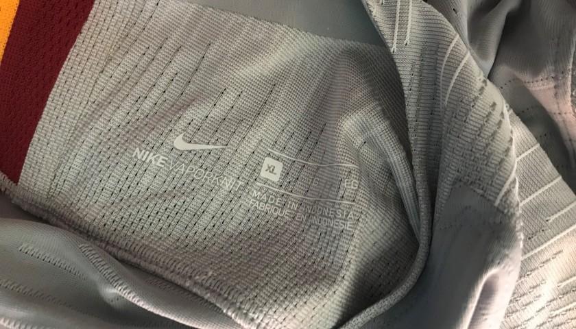 Receive Dzeko's Shirt from Matilde Brandi and Lorenza Mario